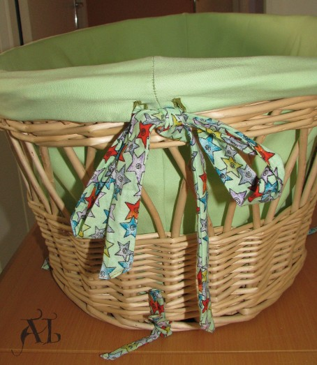 Le berceau en osier suite toujoursplushaut - Comment habiller un berceau en osier ...